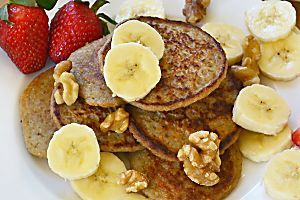 Whip up a healthier pancakes at home! This protein-packed chocolate-banana pancake recipe is dairy and gluten-free, and under 300 calories per…