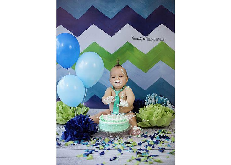 Beautiful Moments Photography - Stavanger Sandnes Ålgård Nyfødt Baby Fotograf #fotografstavanger #cakesmash #birthday #ballons #creamcake #green #blue