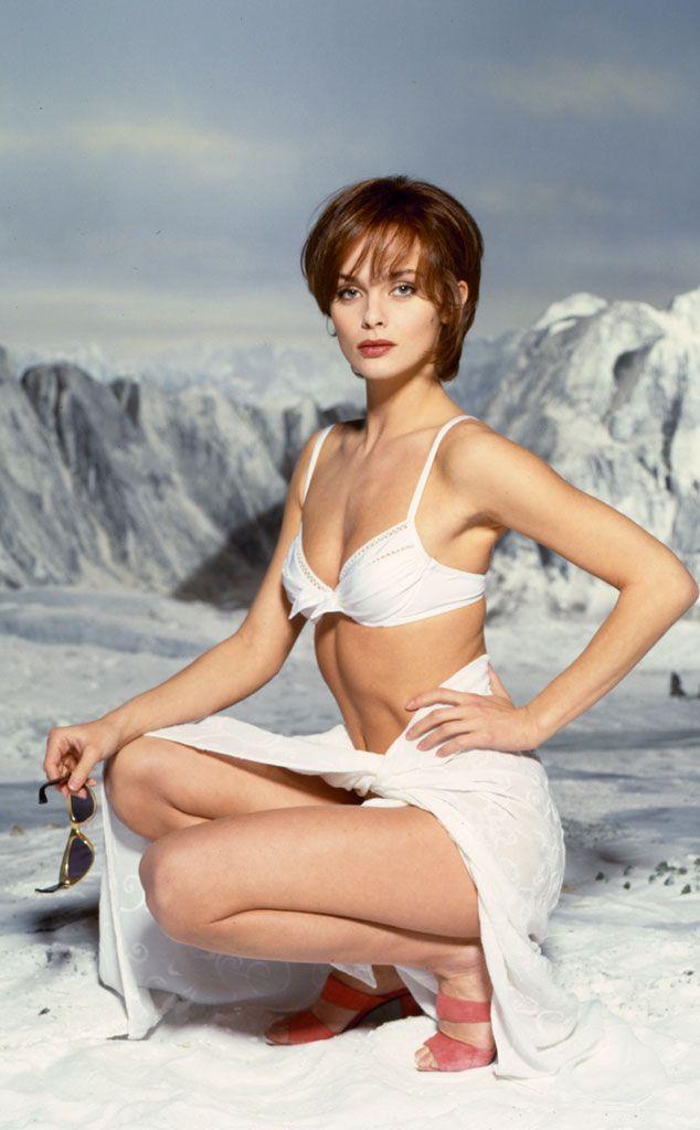 007 #18 1995 ••Golden Eye•• BondGirl 18: Izabella Scorupco (Poland) as Natalya Simonova