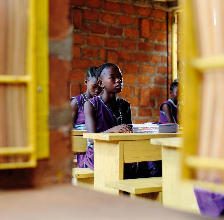 Orkidstudio, escuela femenina de Swawou en Kenema (Sierra Leona) - Arquitectura…