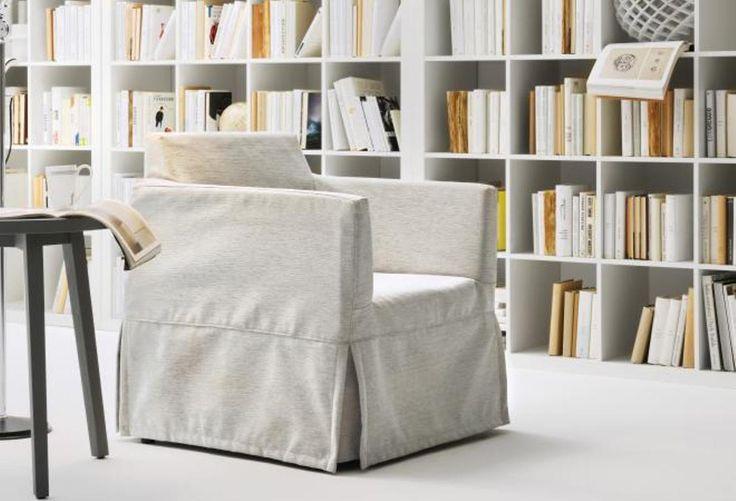 Poltrona letto Sogno. Poltrona dalle dimensioni compatte e totalmente foderabile.Poltrona letto singolo. Poltrona letto economica. Poltrona letto sfoderabile