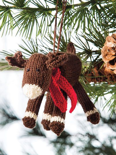 Knitted reindeer ornament from Deck the Halls: 20+ Knitted Christmas  Ornaments pattern book from