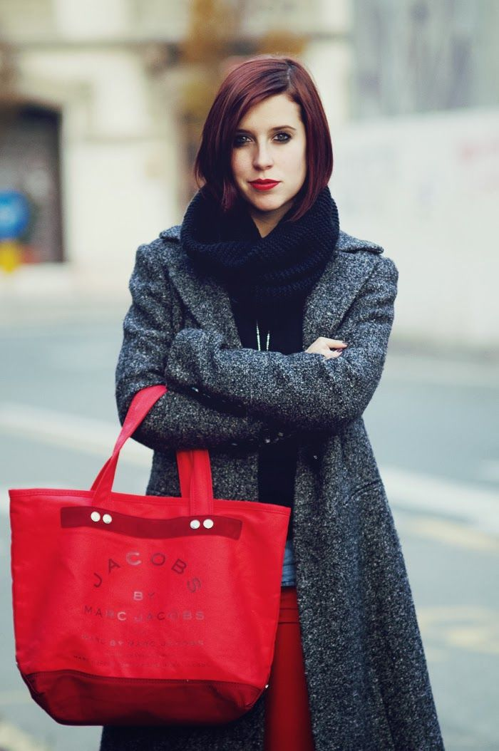 Marc Jacobs for Coca Cola Light | Once upon a time.. - Fashion Blog by Eleonora Pellini Borsa Marc Jacobs #marcjacobs cappotto e leggings rossi #red #christmas #natale