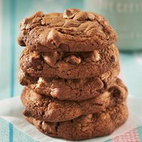 Texas Chocolate Chip Pecan Cookies #HEBHolidayMeal