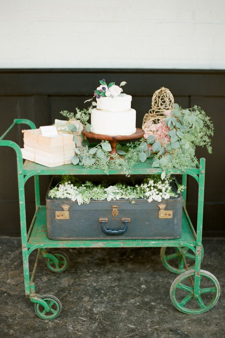 #vintage, #cake-table  Photography: Brklyn View Photography - www.brklynview.com  Read More: http://www.stylemepretty.com/2013/10/14/after-wedding-inspiration-from-michelle-edgemont-brklyn-view-photography/
