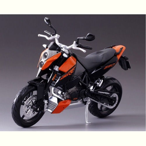 Maisto 6.7 Inch 1/12 Scale KTM 690 Duke Motorcycle Model Toy-Orange and Black Color