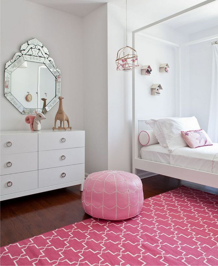 Комната девочки в стиле арт-деко в бело-розовой гамме