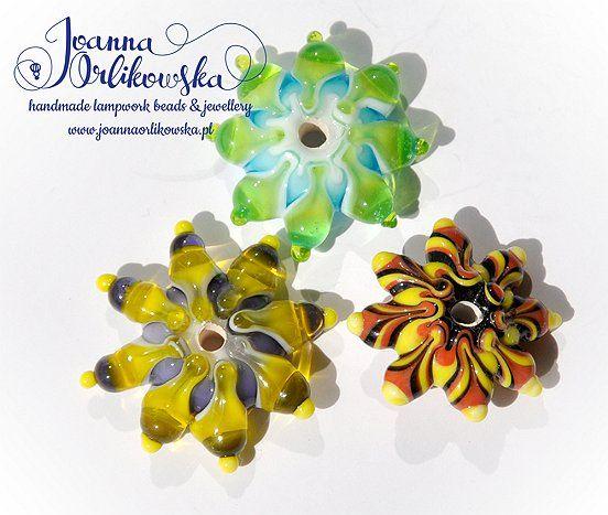 Handmade lampwork glass beads by Joanna Orlikowska