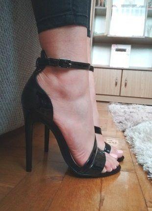 Kup mój przedmiot na #vintedpl http://www.vinted.pl/damskie-obuwie/na-wysokim-obcasie/16726362-czarne-szpilki-paski-firmy-atmosphera