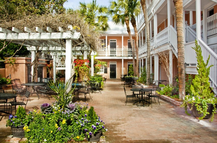 Charleston, SC Vacation Packages - Bed and Breakfasts| Elliott House Inn: House Inn, Houses, Favorite Places, Charleston Sc, Charlestonsc, Carolina Dreams, Elliott House, Hotels, Charleston South Carolina