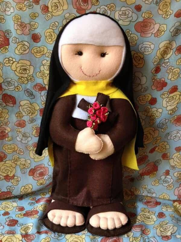 Santa Terezinha em Feltro; santinha em feltro; santito fieltro