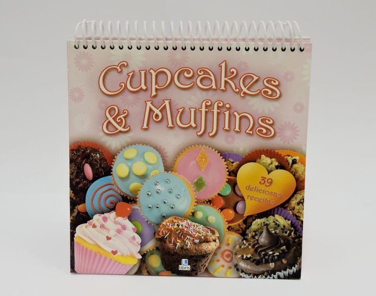 """Hmmm... Aprenda como fazer deliciosos doces com o livro de receitas """"Cupcakes & Muffins""""! São 39 receitas diferentes das sobremesas norte-americanas que ganharam o mundo. Você encontra o livro na Livrarias Curitiba do Shop São José por apenas R$17,45. #ShopSãoJosé #PáscoaSSJ"""