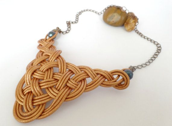 Celtic knot Necklace (Bronze/Copper) / Leather/ Pearl/ Chain