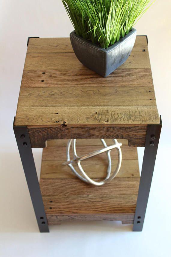 Moderna plataforma madera y acero lateral de mesa, mesas de madera de palets, mesa de madera reciclada, mesa de centro rústica, mesa pequeña