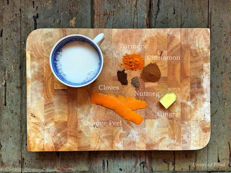Spiced Turmeric Milk recipe on www.unionoffood.com #commoncoldcure
