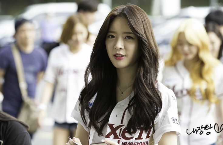 DAL SHABET - Ah Young 아영 (Cho JaYoung 조자영) commute to Nexen Heroes vs LG Twins baseball game 150621 #달샤벳 '넥센 히어로즈 vs LG 트윈스 경기 시구'