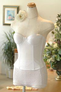 KE110|ウェディングドレスのレンタルなら大阪ピノエローザへ