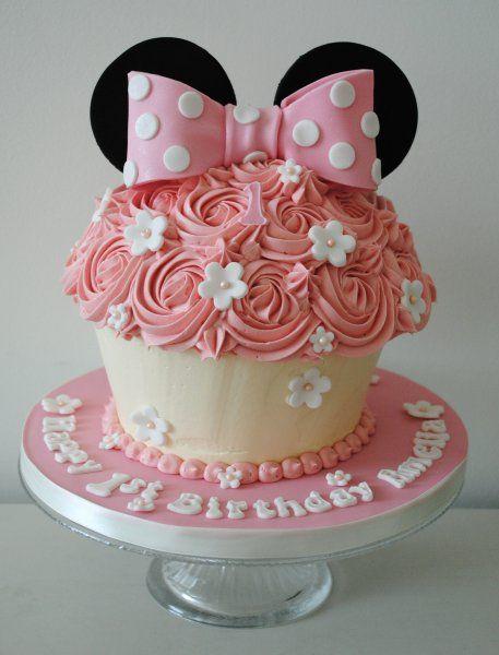 Disney minnie mouse giant cupcake
