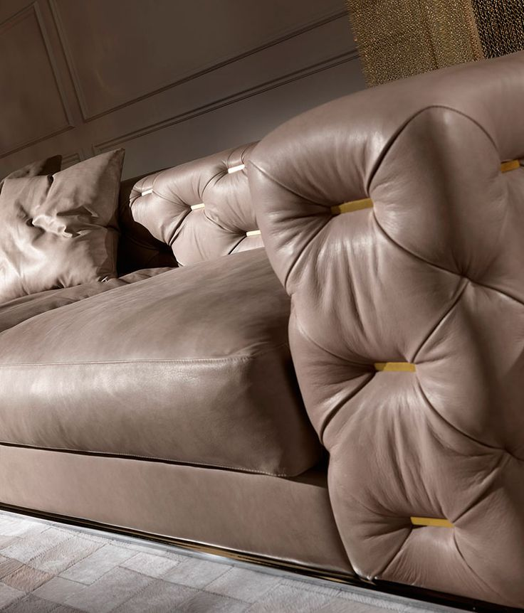 Nella Vetrina Turner Roberto Cavalli Home Modern Luxury Italian Sofa In  Wood And Leather