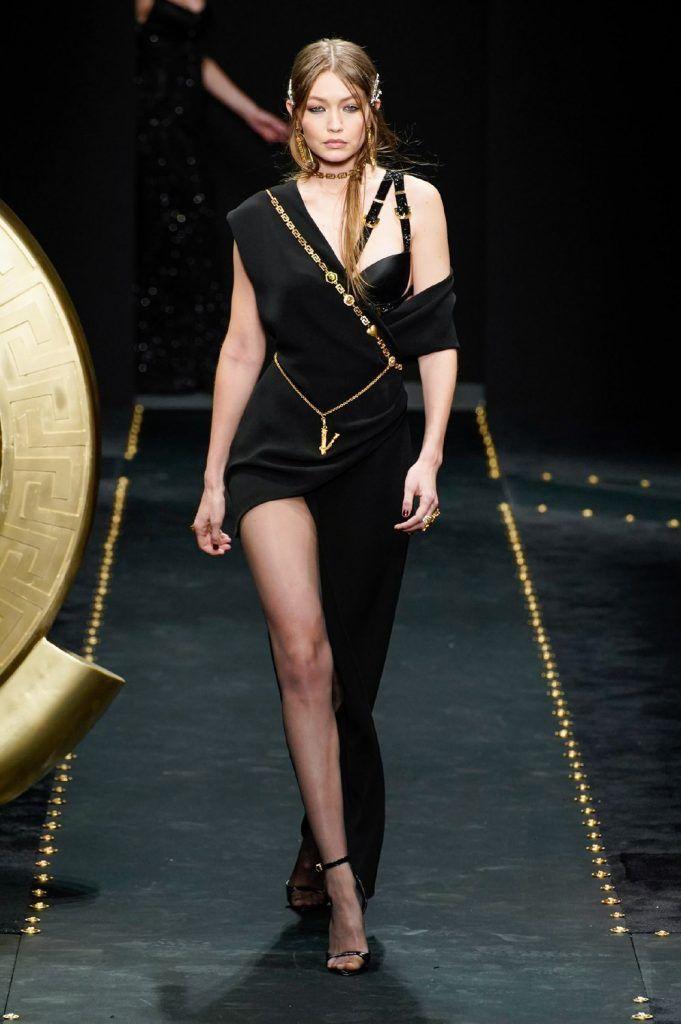 Abiti Da Sera Versace.Festa In Vista 10 Abiti Da Sera Di Tendenza E Gli Accessori Con