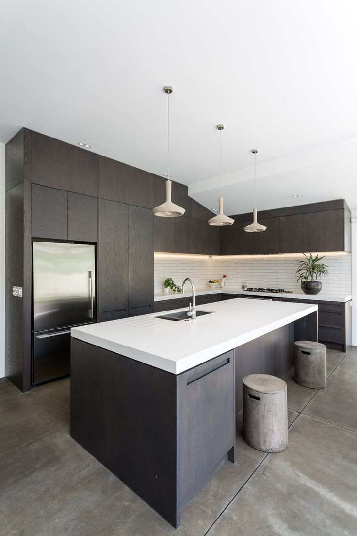 Westmere villa.  Jessop Architects are a traditional residential architects practice based in Auckland. We know what it takes to renovate the traditional architecture of villas and bungalows to deliver a modern day lifestyle. Call us now on 09 360 7110 to discuss your renovation.
