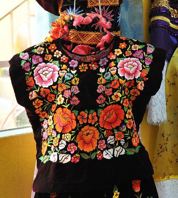 juchitan huipil oaxaca mexico by Teyacapan, via Flickr