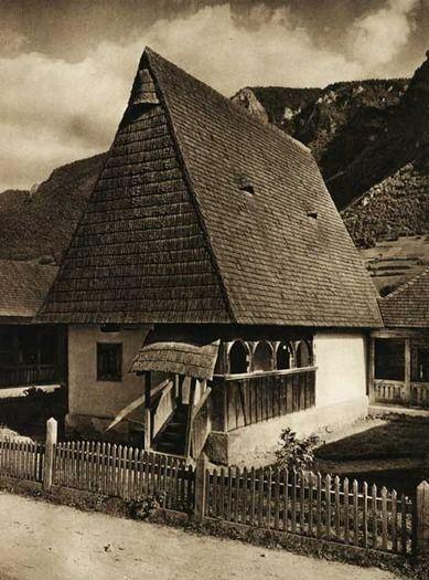 Vidra-de-Jos,-casa-lui-Avra - case traditionale romanesti