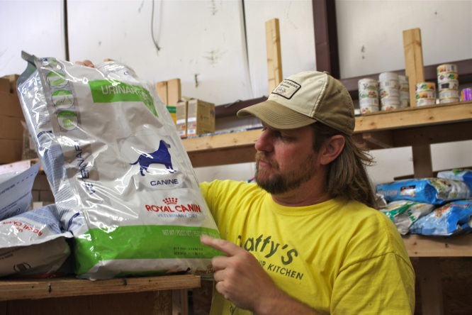 Tom Wargo runs Daffy's Pet Soup Kitchen, the first nonprofit food bank for pets. Huffington Post 10/5/2011 SOS CLUB,Daffys Pet Soup Kitchen