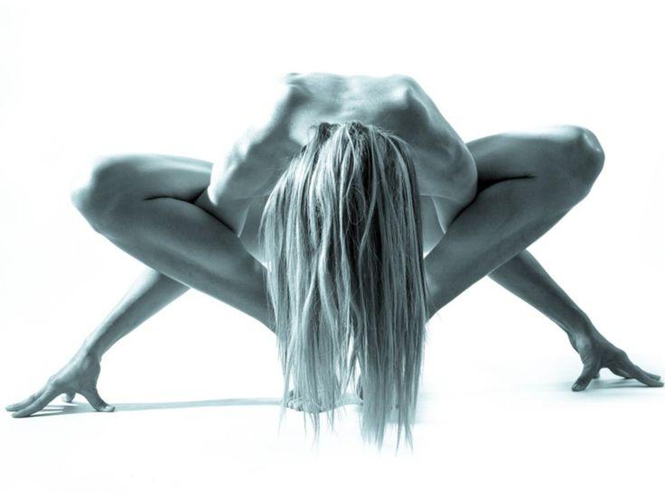 El yoga mejora nuestra salud mental y física. Repasamos los beneficios del yoga según la ciencia.
