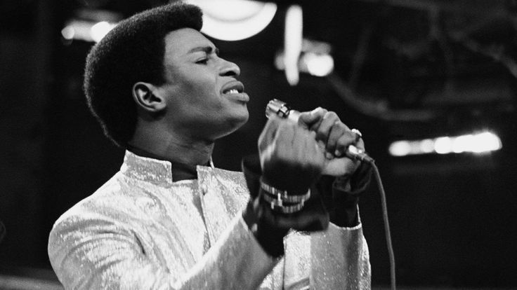 Dennis Edwards, Temptations singer for 2 decades, dies at 74