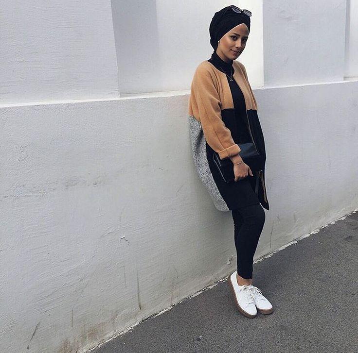 Hijab + Outerwear + All Black (mariaa.sm)