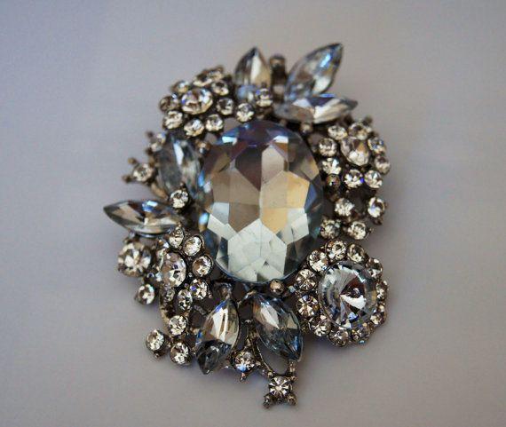 Rhinestone Bridal Brooch. Stunning and elegant vintage by 4Seas, $18.00