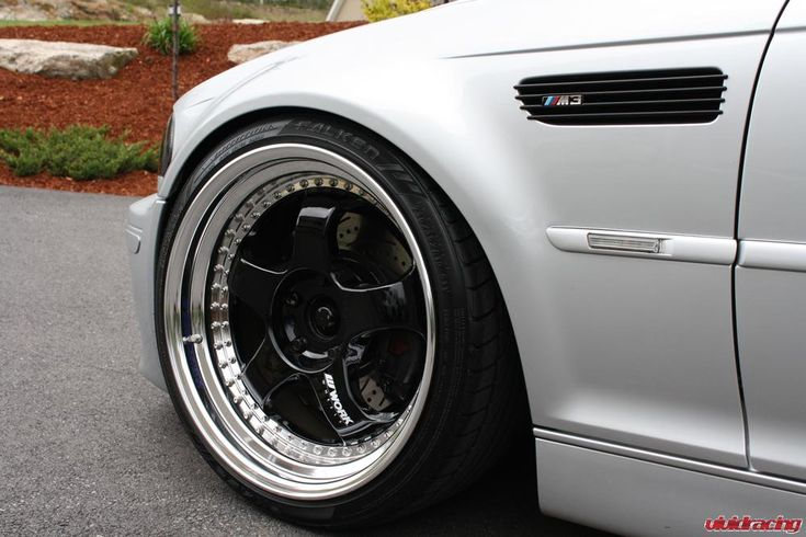 The BMW M3 E46 is an extremely amazing car for its time. I remember the first time I saw one back in 2001 heading home after some classes at college. It was a Laguna Seca blue one and a woman was driving it. All I could think of was dayuummm. In 2004 I tried to get a loan for a white one but