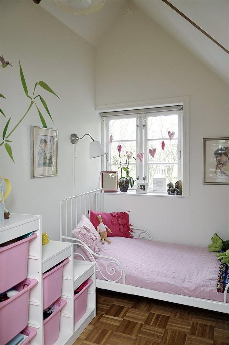 Cosy girl's bedroom - Sweden / IKEA FAMILY