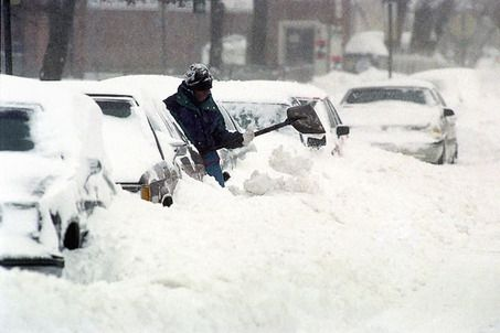 Spring snowstorm buries Midwest, tornadoes possible in ...