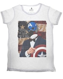 T-shirt Captain America Out