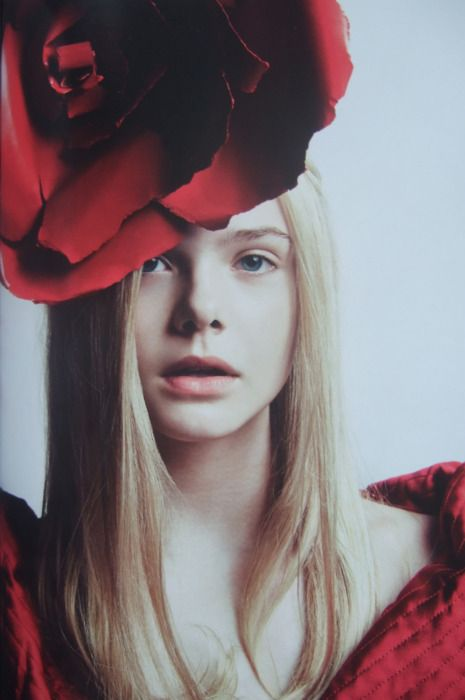 Alaisk Murasaki: Girls Crushes, Vogue Fashion, Red Hats, Red Rose, Tional Fans, Fashion Photography, Style Fashion, Red Hot, Elle Fanning