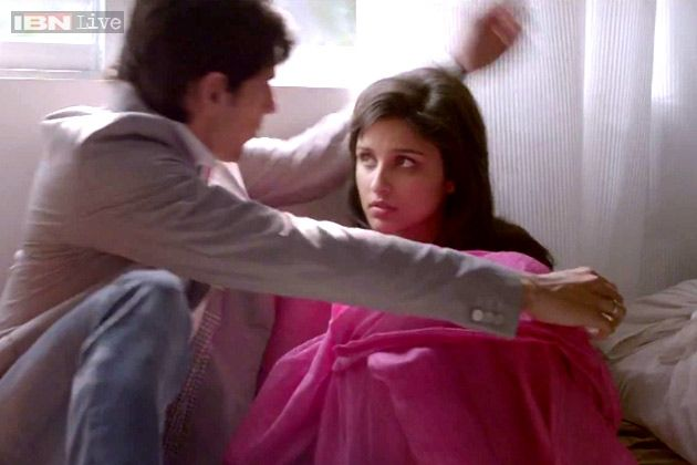 Hasee Toh Phasee Latest Stills