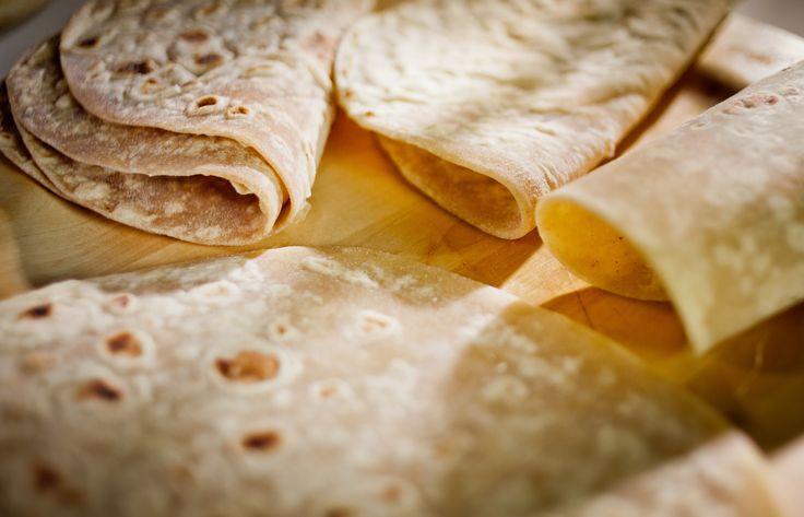 """#piadina al #farro, al #tartufo, #grano khorasan, la #marchigiana, la Mascia #artigianale all""""Olio extra Vergine di Oliva, l'immancabile #pane d'accompagnamento alla #tavola degli #italiani, è una fra le più apprezzate #specialità salate #masciadelicatezze #delicatezze #marche #deli #piada"""