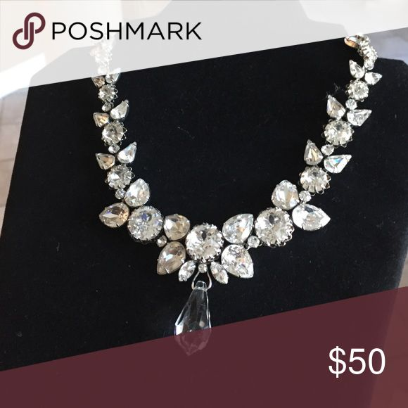 Vintage crystal necklace Very stunning on! Defiantly an eye catcher. Sparkles when the light hits it. Necklaces is a good weight and in great condition. Be sure to look at my other listings . rifas Jewelry Necklaces