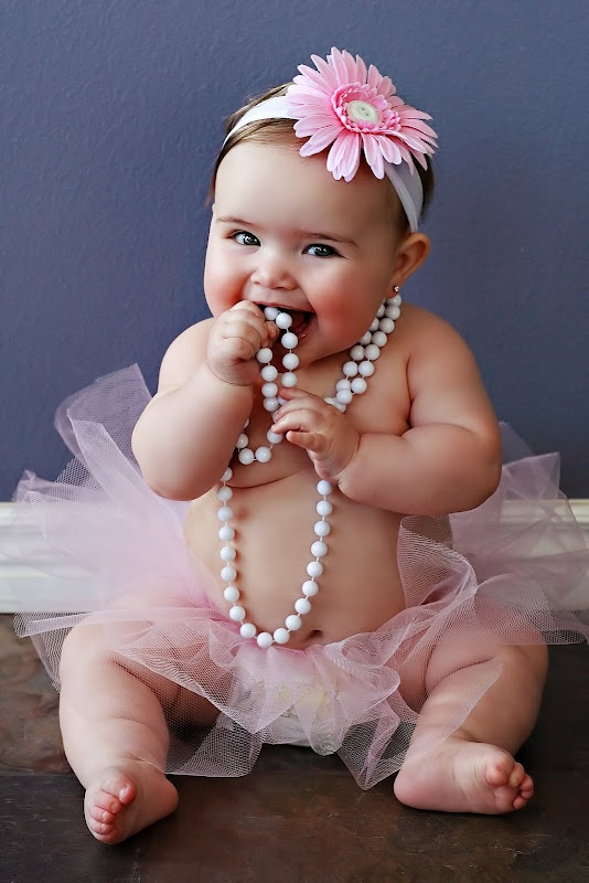 6 month photo ideas - you can't go wrong with a tutu, headband, and pearls!