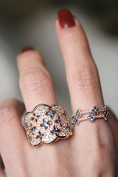 Pave Sapphire Swarovski Concave Clover Ring Rose Gold from kellinsilver.com