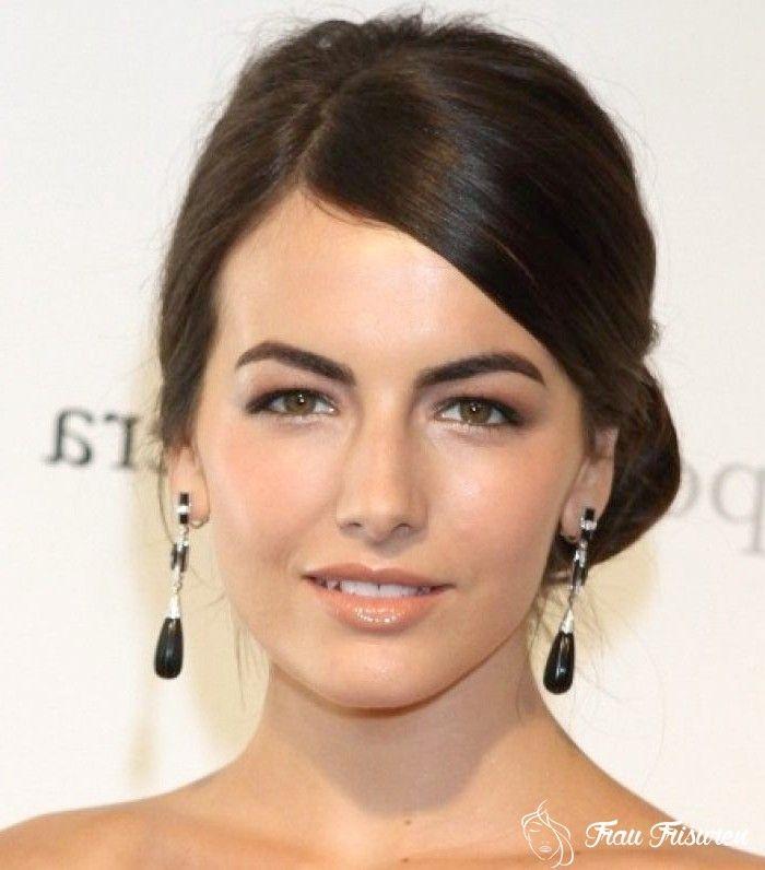 14 Stylische Frisuren Fur Frauen Mit Herzformigem Gesicht In 2020 Herzformiges Gesicht Stylische Frisuren Frauen Frisuren