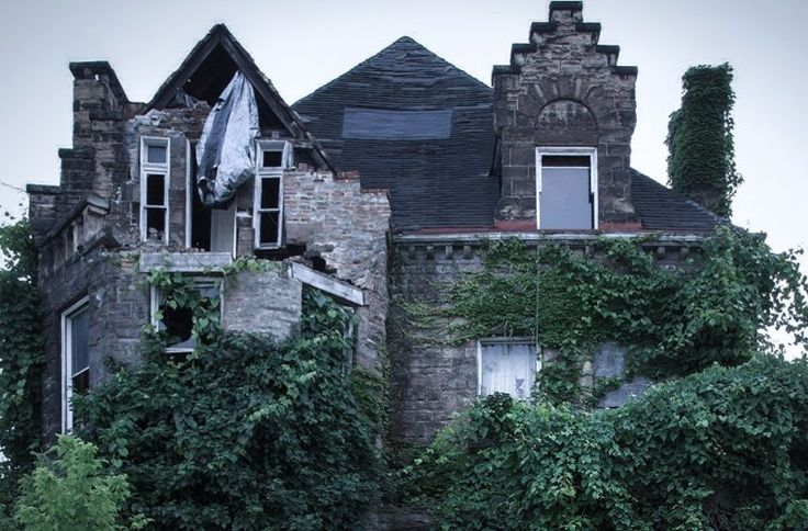 What is it about the abandoned and the forgotten that intrigues us so? It could have something to do with history. Our natural curiosity often leads us to look in unlikely places for satisfaction. You know what we mean – you see an old house sitting derelict at the end of the street and all …