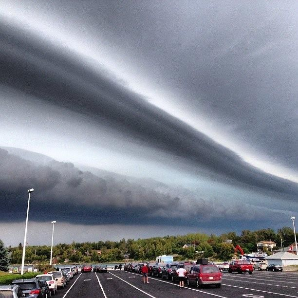 Canada can be scary too. Weather over Tobermory yesterday. - Imgur