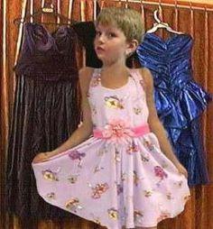 Chicos en vestidos