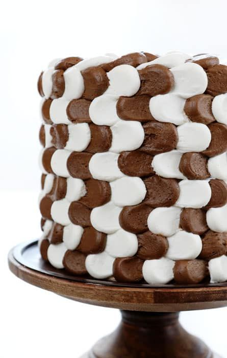 VIDEO of this cake below! This Brown and White Illusion Cake was fun to recreate, and more fun to eat! (I originally saw this design on Danielle Faria's page) Before making this cake I assumed it would be fairly straight-forward and simple. However, I ran into quite a few issues! The consistency of my chocolate...