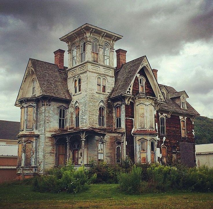 Abandoned Victorian. Imagine what it looked like before it got so run down. Absolutely beautiful.