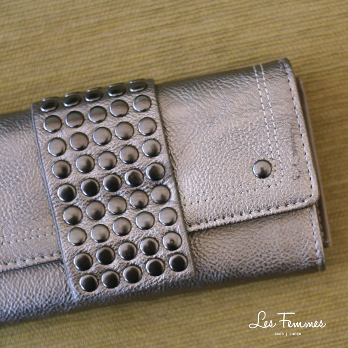 Khiera wallet only 119K. Let's #shopping at http://lesfemmes.co.id or WhatsApp 081284789737.