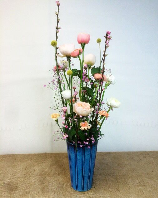 Spring. Bordsdekoration. Dekoration. Blommor. Flowers. Vår. Rosa. Pink.